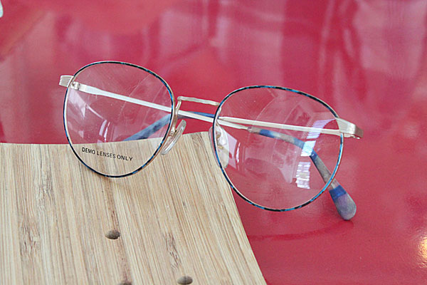 vtg-321 christie brinkly blue reopard maate gold rim